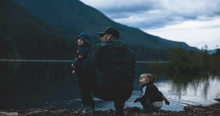 10 Inspiring Father's Day Email Marketing Campaign Examples